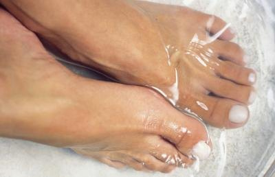 How Do Ionic Footbaths Work?