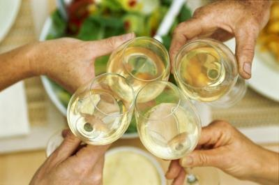 Does Drinking White Wine Help You Lose Weight?
