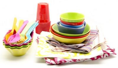 Plastic tableware and napkins