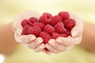 Particularly fiber-rich varieties include raspberries, pears and prunes.