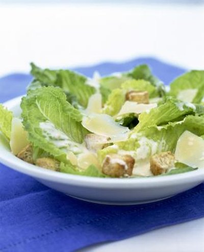 How to Make a Low Calorie Caesar Salad
