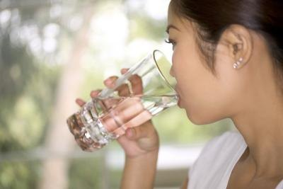 Can Drinking Water Control Hunger Pains?