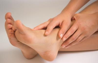 What Are the Causes of Foot Cramps While Sleeping?