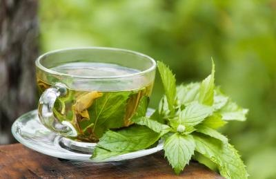 Peppermint Tea for Stomach Bloating