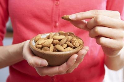 Raw Almonds Nutrition Information