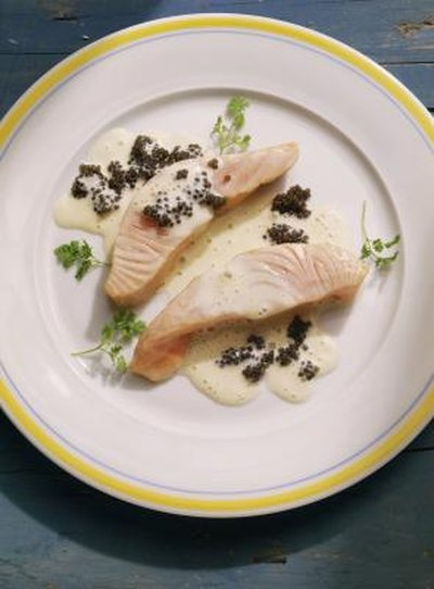 How to Cook Salmon Fillets in the Microwave