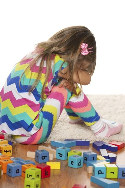 What Are the Positive & Negative Effects of Daycare Centers on Young Children?