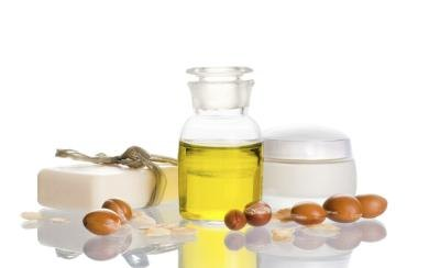 Olive Oil vs. Vitamin E for Moisturizing