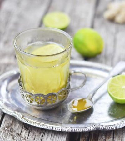 What Are the Benefits of Lime Juice With Honey?