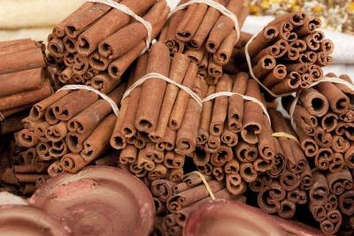 The Difference Between Saigon Cinnamon & Regular Cinnamon