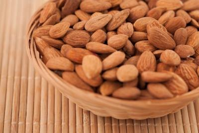 Candida Diet & Almonds