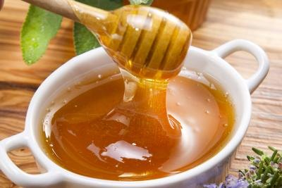 What Are the Benefits of Yogurt & Honey?