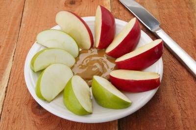 Are Apples With Peanut Butter Healthy?