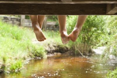 What Causes Peeling Skin on Children's Feet?