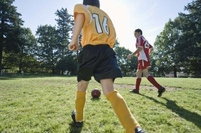 Can You Wear Eye Contacts While Playing Sports?