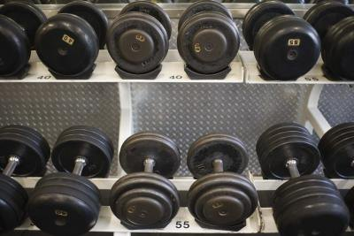 Round vs. Hex Dumbbells