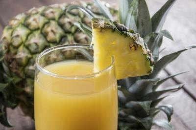 What Are the Benefits of Pineapple Juice for Women?