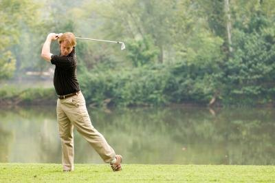 How to Keep the Right Elbow Tucked in During the Golf Swing