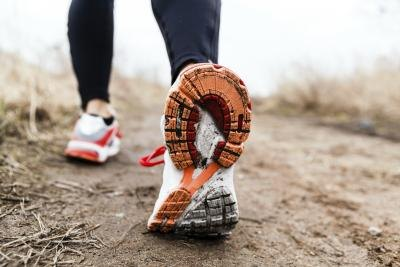 Does Wearing Ankle Weights While Walking Strengthen the Legs?