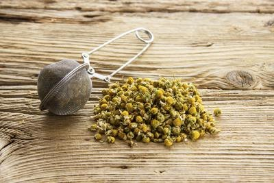 Nutrition & Caffeine Facts on Chamomile Tea