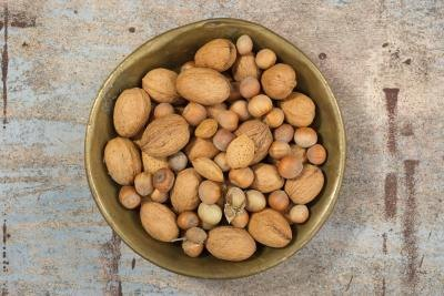 What Are the Health Benefits of Almonds, Pecans & Walnuts?