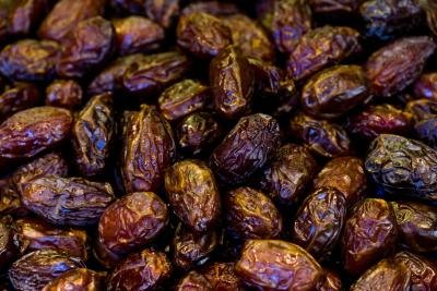 Nutrition of Dates & Raisins