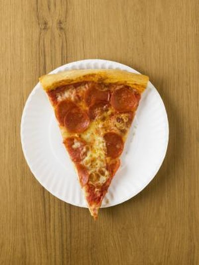 How Many Calories in a Slice of Pepperoni Pizza?