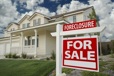 How to Remove Foreclosure From Your Credit Report
