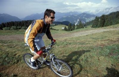 Calories burned while bicycling depends on intensity and terrain.