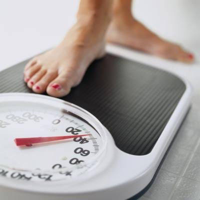 How Much Weight in Kilograms Should You Aim to Lose Per Week While Dieting?