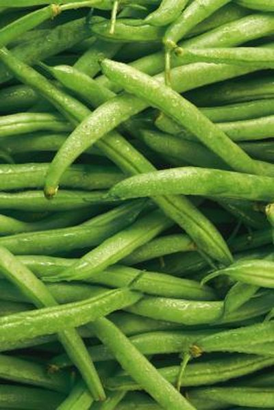 How to Bake Fresh String Beans in the Oven