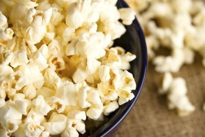 How to Cook Popcorn Without Oil