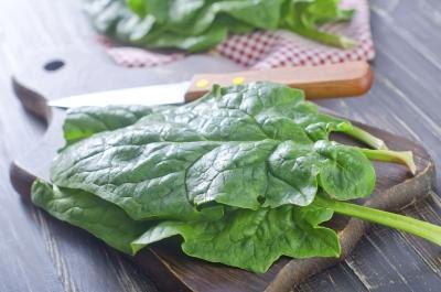 How Much Potassium Is in Raw Spinach?