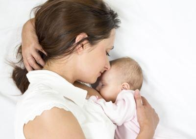 Causes of Shooting Breast Pain When Breastfeeding