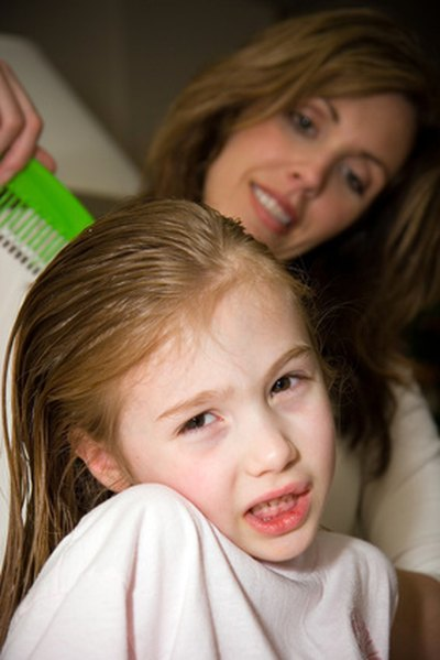 Home Remedies for an Itchy Scalp Due to Lice