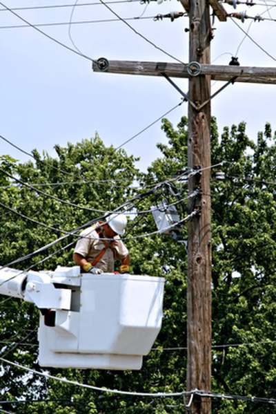 Ohio Colleges That Offer Electrical Lineman Courses