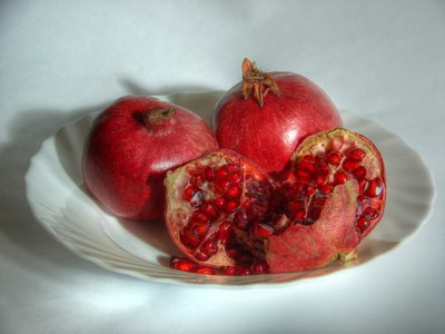 Health Benefits of Pomegranate Molasses