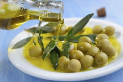 Olive Oil & Egg Hair Treatment