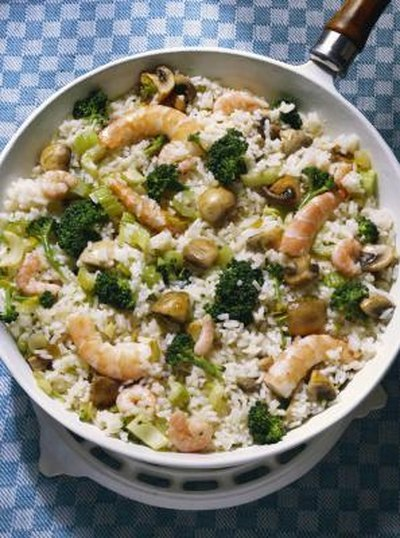How to Cook Rice With Broccoli