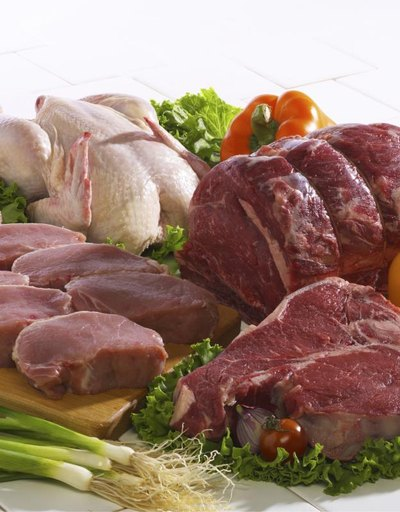 Which Has the Most Cholesterol: White Chicken Meat or Red Meat?