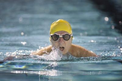Is It Okay to Swim With a Stye?