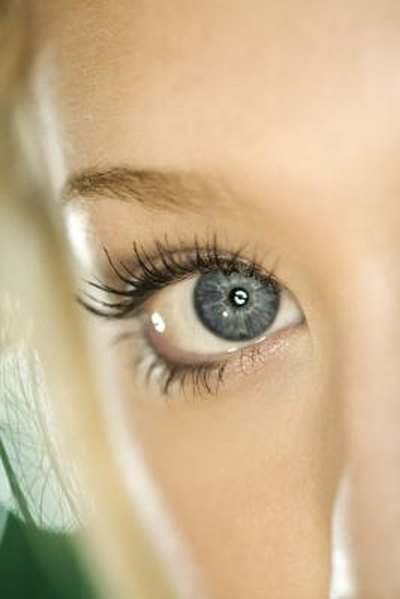 Vitamin D & Eyelash Thinning