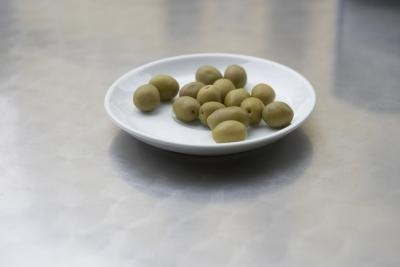 How to Lose Weight With Olives