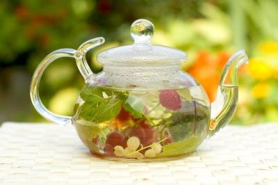 Health Benefits of Red Raspberry Tea