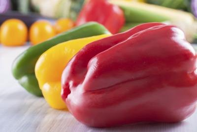 Should I Eat a Raw Bell Pepper?