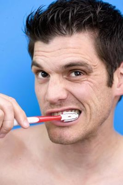 Is a Baking Soda Rinse Good for the Teeth?