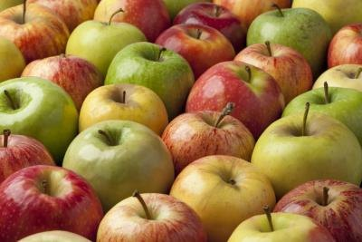 What Is the Nutritional Value of an Apple?