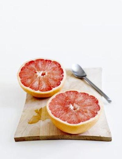 What Is the Carb Count of a Grapefruit?
