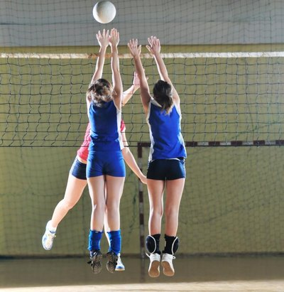 How to Improve as an Outside Hitter in Volleyball