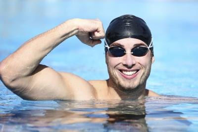 The Effects of Swimming on Swimmers' Hair & Skin